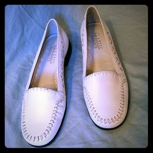 White leather business casual women's shoes
